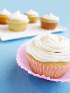 Forty Weeks: Food: Strawberry Cupcakes with Cream Cheese Frosting