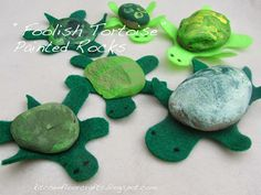 Turtle Painted Rocks - Literacy based craft - Foolish Tortoise by Eric Carle. Turtle Painting, Pebble Painting, Rock Painting, Stone Painting, Rock Crafts, Fun Crafts, Arts And Crafts, Summer Crafts, Turtle Rock