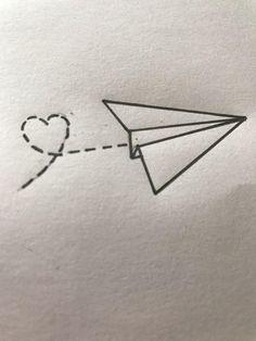 Tranh 36 Simple Doodles You Can Easily Copy in Your Bullet Journal - Simple Life of a Lady Easy Pencil Drawings, Cool Art Drawings, Art Drawings Sketches, Disney Drawings, Tattoo Sketches, Pencil Sketching, Mermaid Drawings, Flower Drawings, Realistic Drawings