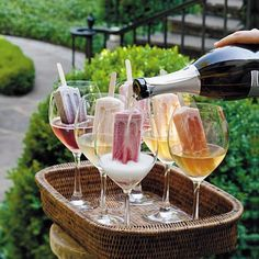 Fabulous Ideas & Supplies For Outdoor Entertaining - Outdoor Parties - Party Backyard Birthday Parties, Birthday Bbq, Outdoor Birthday, Adult Birthday Party, Birthday Dinners, Garden Parties, Cocktail Garden Party, Outdoor Cocktail Party, Women Birthday