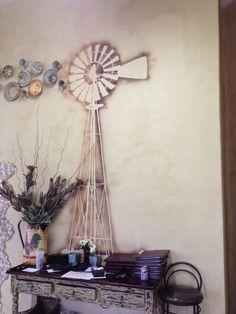Spif padstal - Naboomspruit Diy Rustic Decor, Diy Home Decor, Windmill Art, Goat House, Home Comforts, Living Styles, John Green, Windmills, Wall Treatments