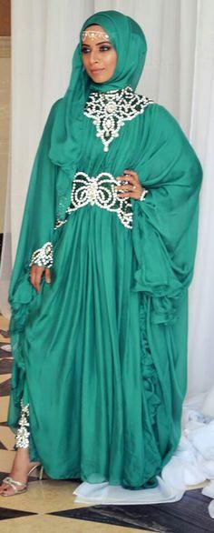 Beautiful for a wedding Green abaya