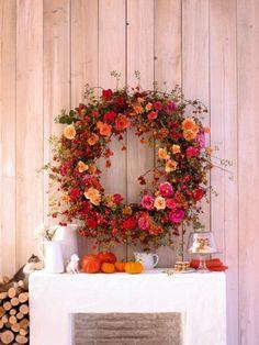 Herbstkränze selber machen - Anleitungen mit ausführlichen Zutatenlisten zum Nachmachen: Die Zutaten für diese dekorativen Kränze kommen aus der Natur: Beeren, Zweige, Blüten, Nüsse und...