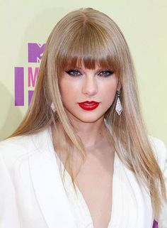 Taylor Swift Bangs, Taylor Swift Hot, Celebrity Hairstyles, Hairstyles With Bangs, Straight Hairstyles, Pageant Hair, Taylor Swift Pictures, Everyday Hairstyles, Long Hair Styles