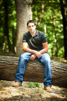 Seniors - TimeSmart Images | Pittsburgh Senior Photographer | Senior Guy Pose #FrancineSmith, #Seniorguypose