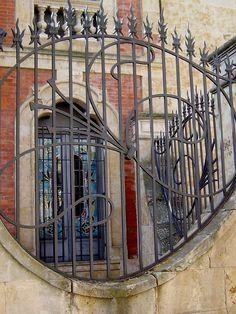 Casa Lis: Museo De Art Deco Y Art Nouveau - Salamanca  This incredible Art Nouveau building is rather unexpected in a city of Renaissance architecture. Designed by Joaquim de Vargas for Miguel de Lis and building was completed in 1905