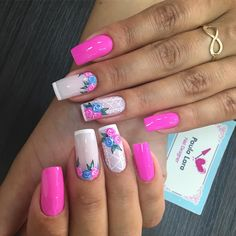 17 Desenhos para unhas perfeitos Manicure Colors, Manicure And Pedicure, Toe Nails, Pink Nails, Glitter French Manicure, French Nail Art, Nail Art Kit, Stylish Nails, Beautiful Nail Designs