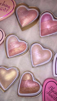 Makeup Revolution Blushing Hearts Triple Baked Highlighter, Goddess of Love - Cute Makeup Guide Cute Makeup, Pretty Makeup, Sleek Makeup, Skin Makeup, Makeup Brushes, Eyeshadow Makeup, Makeup Eyebrows, Glitter Eyeshadow, Makeup Collection