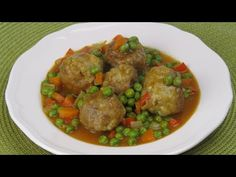 ALBONDIGAS A LA JARDINERA - YouTube Carne Picada, Ethnic Recipes, Youtube, Food, Vegetable Stew, Cook, Egg, Eten