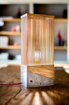 Top 100 Lâmpadas de mesa criativas e intrigantes para interiores modernos Concrete Table, Table Lamp Wood, Concrete Wood, Wooden Lamp, Concrete Design, Wooden Diy, Wood Design, Desk Lamp, Design Design