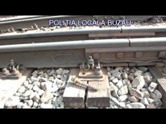 VIDEO – Vezi aici cum au prins politistii locali un barbat furand ansambluri si traverse de la calea ferata