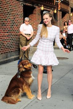 まるでプリンセス♡ 正統派グッドガール Celebrity Dogs, Dakota And Elle Fanning, Together Forever, Amanda Seyfried, Celebs, Celebrities, Hollywood Stars, Star Wars, Vestidos