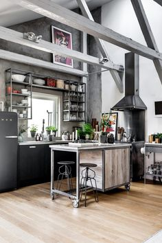 n industrial loft design was meant for an artist and it combines the best of both worlds. This industrial interior loft is a wonde Loft Industrial, Industrial Kitchen Design, Vintage Industrial Decor, Industrial Interiors, Industrial Lighting, Industrial Bedroom, Industrial Kitchens, Decor Vintage, Design Vintage