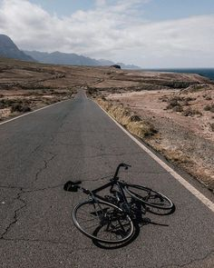 Solitude. .     #peoplescreatives #passionpassport #wildsights #welltraveled #igmasters #neverstopexploring #roadcycling #trackbike #cycling #grancanaria #roadslikethese #roadbike #fixedgear #trackcycling #wymtm #makebikeportraits #cyclingphotography #inmyelemnt #wahooligan #stravacycling #outsideisfree #cyclingphotos #cyclinglife #cyclingshots #fromwhereiride #stravaphoto #napacc #snobici