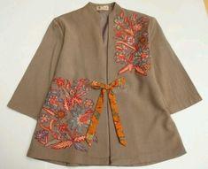 Batik Blazer, Blouse Batik, Batik Dress, Muslim Fashion, Ethnic Fashion, Hijab Fashion, Fashion Dresses, Womens Fashion, Mode Batik