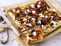 Tarte with roasted vegetables - Pinmod. Lunch Recipes, Appetizer Recipes, Pizza Wraps, Savory Tart, Very Hungry, Roast Recipes, Savoury Dishes, Roasted Vegetables, Popular Recipes