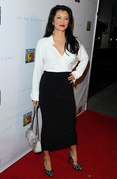 Kelly Hu - Best Buddies ''The Art of Friendship'' Benefit Photo Auction in West Hollywood Beautiful Asian Women, Amazing Women, Kelly Hu, Star Wars, Dress And Heels, Height And Weight, Skirt Outfits, Asian Woman, Asian Beauty