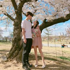 You and I We don't wanna be like them We can make it till the end Romantic Photos, Romantic Couples, Cute Couples, Korean Photography, Cute Photography, Korean Couple Photoshoot, Asian Love, Korean Ulzzang, Ulzzang Couple