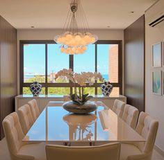 Sala de jantar de um apartamento. Projeto do escritório JL Arquitetos. #decoration #apartamento #saladejantar #pictureoftheday #photooftheday #decor #interiordesign #interiores #design #decoracao