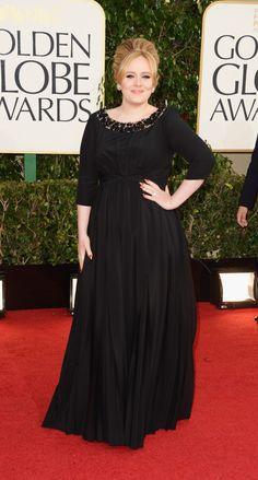 A Adele, que é sempre comportada, veio de Burberry de mangas compridas e ajuste firme abaixo do busto. Isso esconde as gordurinhas e deixa mais esguia a dona do vestido. Estava linda! Clap, clap, clap, Adele!