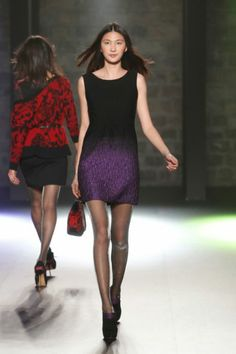 Baby, baby, baby Desigual dress from the Night line. Baby is the name you are going to hear when you wear this black number with purple gradient effect. Baby!
