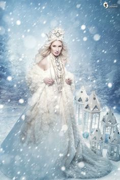 Found on Bing from www.pinterest.com Snow White Queen, Snow Queen, Snow Fairy, Winter Fairy, Unicorn Pictures, Fairy Pictures, Gothic Fantasy Art, Beautiful Fantasy Art, Fantasy Photography