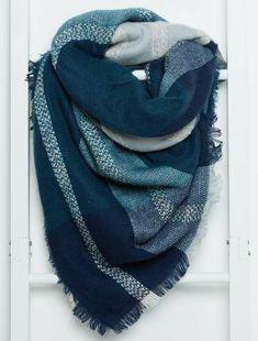 Soldes snoods, écharpes, gants, bonnets, mitaines Femme   Kiabi e64b3c5f97c