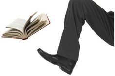 Should writers reply to reviewers? Secret of book reviewing revealed. (Good way to attribute photo copyright.)
