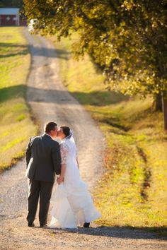 Gorgeous fall wedding. Owen Farm - Chapmansboro, Tennessee. Photo by Krista Lee www.kristaleephotography.com