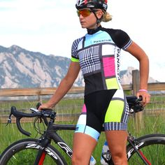 WOMEN'S BULLET BIB SHORT The Panache Bullet Bib is engineered for speed and designed for style. It is a perfect go-to bib short for training rides when you want to LOOK FAST, or for race day competiti
