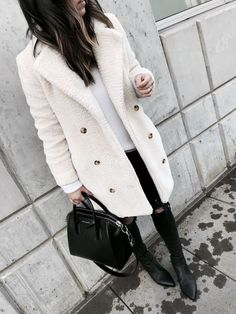 Anthropologie sherpa coat - Everything you are looking Winter Coat Outfits, Fall Fashion Outfits, Winter Wardrobe, Casual Outfits, Instagram Outfits, Urban Fashion, Women's Fashion, Autumn Winter Fashion, Winter Style