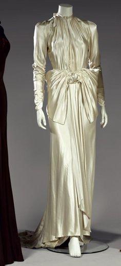 Wedding dress | Louise Boulanger | French | 1929 | satin | Theirry de Maigret Auctions, Paris | November 2011