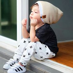 Get the white pants from kid city and diy this Fashion Kids, Toddler Boy Fashion, Cute Boys, Cute Babies, Cute Baby Boy Outfits, Baby Swag, Baby Kids Clothes, Stylish Kids, Cool Baby Stuff