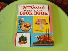 Vintage 1961 Betty Crocker's New Picture Cook Book 1st Edition 2nd Printing by peacenluv72 on Etsy