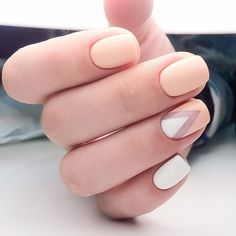 "If you're unfamiliar with nail trends and you hear the words ""coffin nails,"" what comes to mind? It's not nails with coffins drawn on them. It's long nails with a square tip, and the look has. Beige Nails, Peach Nails, Pastel Nails, Orange Nails, Coral Nails, Ring Finger Nails, Finger Nail Art, Two Color Nails, Nail Colors"