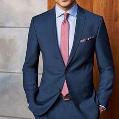Do you want to know the secrets of some of the most stylish men? Check out these men's style tips and instantly upgrade your style. Mens Fashion Suits, Mens Suits, Fashion Shirts, Blue Suit Men, Navy Suits, Groom Suits, Groom Attire, Blazer Outfits Men, Moda Formal