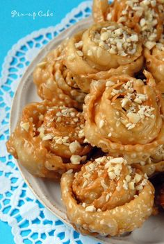 Kserotigana - Greek pastries - flour + sugar + honey n nuts. Greek Sweets, Greek Desserts, Greek Recipes, Just Desserts, Delicious Desserts, Yummy Food, Pastry Recipes, Sweets Recipes, Cooking Recipes