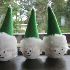 Golf Ball Crafts Could be made with golf balls - Golf Christmas Gifts, Diy Christmas Ornaments, Christmas Decorations, Golf Decorations, Ball Ornaments, Christmas Ideas, Christmas Tree, Golf Club Crafts, Golf Ball Crafts