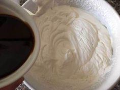Crema al caffè fredda e golosa-Una siciliana in cucina Yogurt, Icing, Coffee, Desserts, Food, Kitchen, Cream, Kaffee, Tailgate Desserts