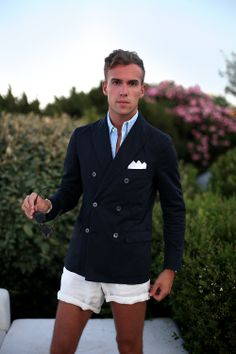 Filippo Cirulli is wearing a Royal Hem jacket Prep Outfits, Older Mens Fashion, Summer Suits, Summer Wear, Preppy Boys, Nautical Outfits, Prep Style, New England Style, What To Wear Today