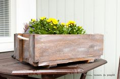 Ammobox from extra pieces - DIY is my hobby Planter Pots, Diy, Projects, Home Decor, Log Projects, Blue Prints, Decoration Home, Bricolage, Room Decor