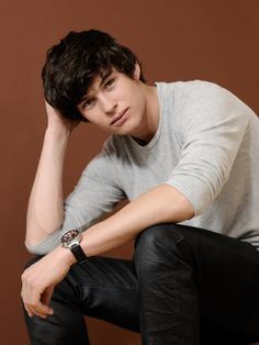 Graham Phillips <3 thank you White Collar!