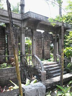 the ruins of calle bonifacio Classic Architecture, Outdoor Structures, Garden, Classical Architecture, Garten, Lawn And Garden, Gardening, Outdoor, Gardens