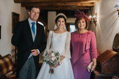 Christian Wedding Gowns, Civil Wedding Dresses, Diy Wedding Dress, Wedding Bridesmaid Dresses, Dream Wedding Dresses, Wedding Pics, Boho Wedding, Gowns Of Elegance, Celebrity Weddings