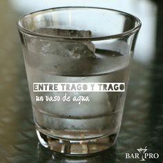 #EventosEnLaIsla @Regrann from @barpro_mgta - Toma un vaso de agua por cada trago que tomes!  Una de las principales causas de la resaca es la deshidratación para disminuirla o incluso evitarla puedes tomar un vaso de agua después de cada trago. Si lo olvidas no te asustes te ayudará tomar uno o dos vasos de agua antes de dormir.  #IsladeMargarita #Mgta #Venezuela #Vzla #Fiestas #Boda #Rumba #Toma #Agua #Barpro #Ceroresaca #Bebidas #Tragos #Coctel #Caña #Regrann