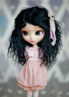 1/3 Size Short Black Wavy Tibetan Mohair Wig for Pullip and SD Dolls by natrume on Etsy https://www.etsy.com/listing/262875563/13-size-short-black-wavy-tibetan-mohair