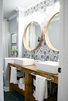 Stunning Farmhouse Master Bathroom Remodel Ideas 36