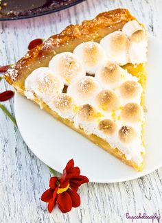 Lemon Pie yum! This would be great for a small sized Bumblebee baby shower!