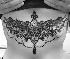 Sternum tattoo for women with a black ink circular design make them attractive Sternum Tattoo Design, Butterfly Tattoo Designs, Tattoos For Women Small, Small Tattoos, Tattoos For Guys, Unique Tattoos, Cool Tattoos, Butterfly Tattoo On Shoulder, Cover Up Tattoos