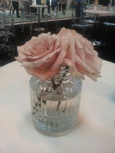 Beautiful roses in glass jar from www.passionforflowers.net
